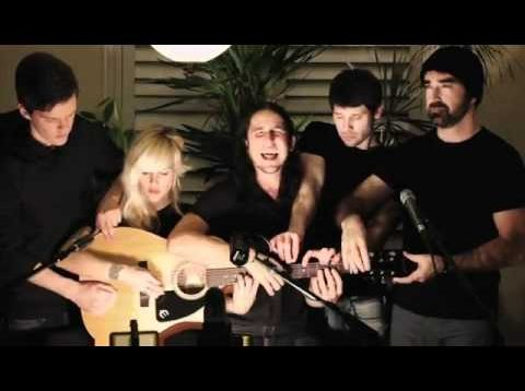 Somebody That I Used to Know – Walk off the Earth (Gotye – Cover)